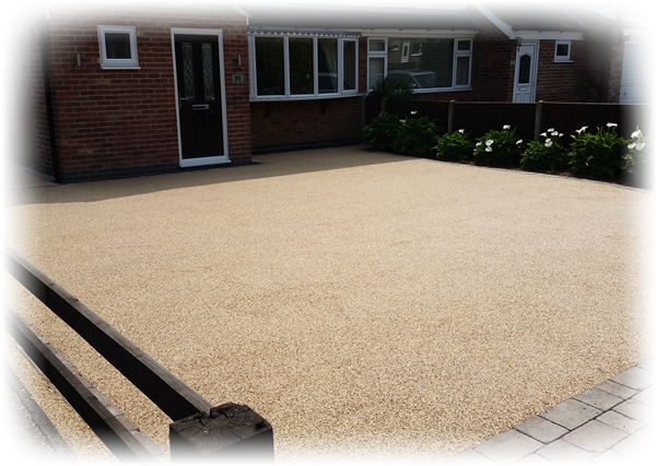 a photo of a resin driveway
